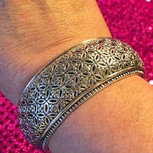 🌻Beautiful Sterling Silver Cuff Bracelet
